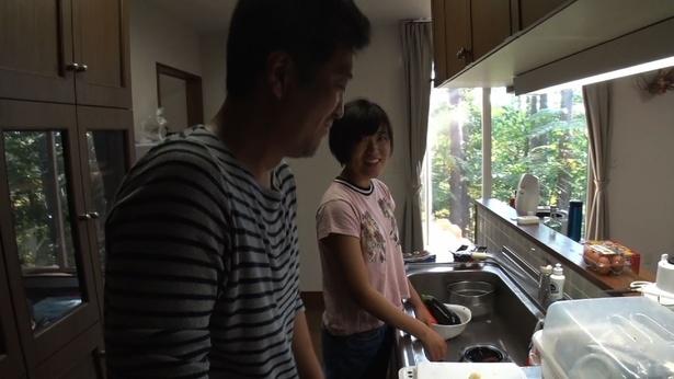 「楽しみ半分、緊張半分」という大鶴に、弥安さんは意外とクールな反応を見せる!?