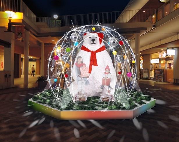 サンタの格好をしたホワイトベアと記念写真を撮ることも出来る(モリタウン・飲食店街)