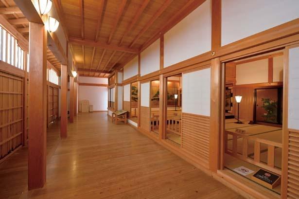 「上段之間」には江戸時代初期の狩野派絵師が描いた屏風絵が転用/篠山城 大書院