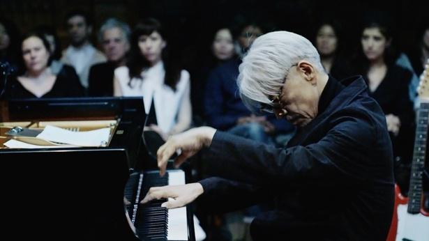 坂本龍一のニューヨークライブが日本の映画館で公開決定
