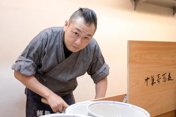 「手間を惜しまず自分のやりたいことをとことんやっています」と、店主の山本昌司さん/別邸 三く 中華㐂蕎麦 萃