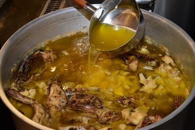 透明感がありながら、力強いスープは丁寧な仕事の証/麺や 福はら