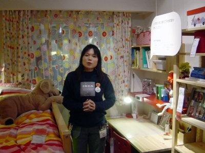 子供部屋も展示。にぎやかな部屋だが収納スペースがきっちり確保されている(IKEA鶴浜)