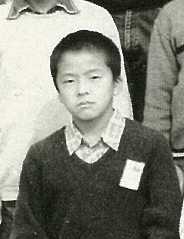 【写真を見る】小学生時代の堀内健