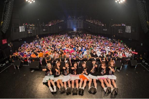 こっとん(鈴木ことね、右から3人目)からは「FES☆TIVEというグループを、一緒に大きくしてくださる子が入ってくださったら心強いです!」という、グループ愛を感じさせる発言も