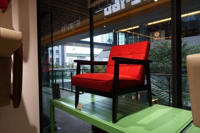 グローバルゲート店でのみ販売している限定アイテム「K chair(65880円)」