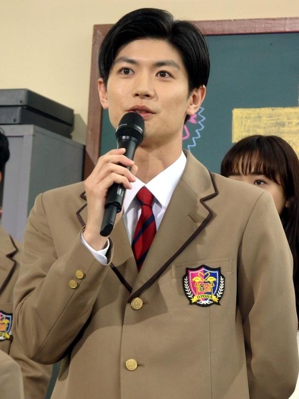「オトナ高校」で30歳で童貞なエリートを演じる三浦春馬