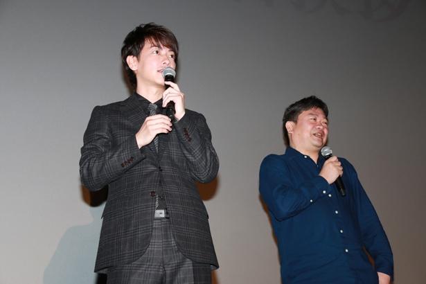 【写真を見る】佐藤と綾野の控室でのエピソードを本広監督が暴露!?