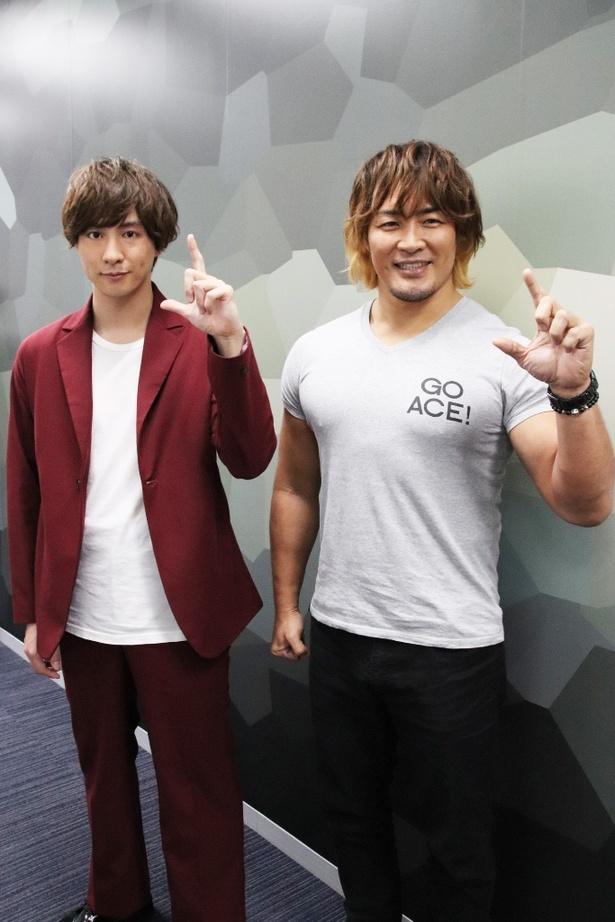 この日が初対面だったという渡部秀(左)と棚橋弘至選手(右)にインタビュー!