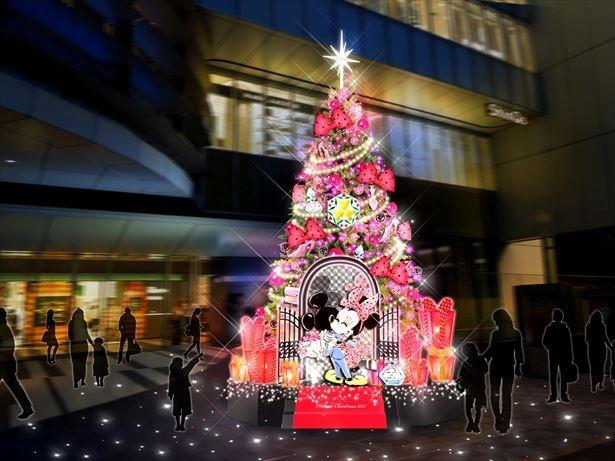 今年のクリスマスツリーは約7mの「ミッキーマウス」と「ミニーマウス」のオリジナルツリー