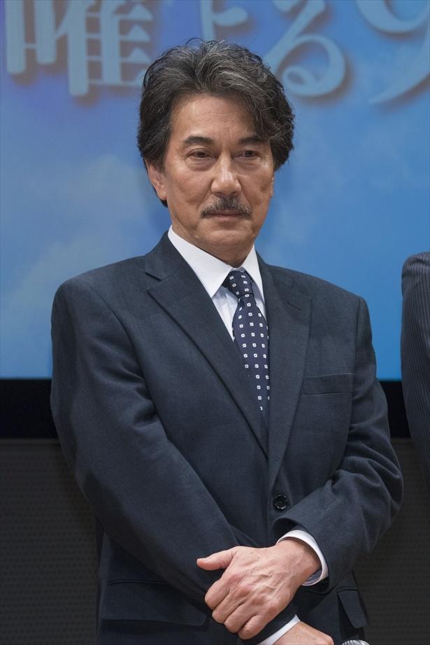 主人公・宮沢紘一を演じる役所広司