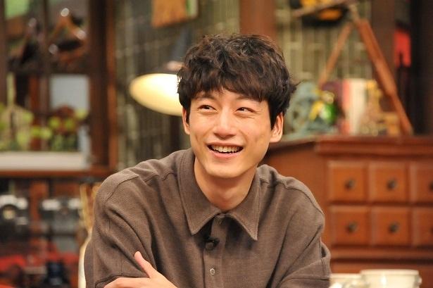 10月9日(月)放送の「さんまのまんま 秋のさんまもゲストも脂がノッてますSP」(夜9:00-11:28、フジ系)に出演する坂口健太郎