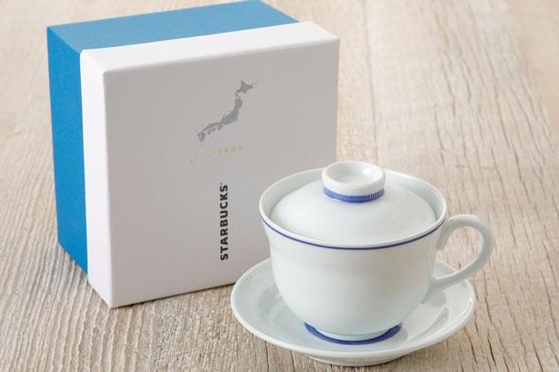 「コーヒー碗 Mikawachi177ml」(税抜6600円)。佐世保の海を表したカップの縁や底のボーダーがアクセントになっている