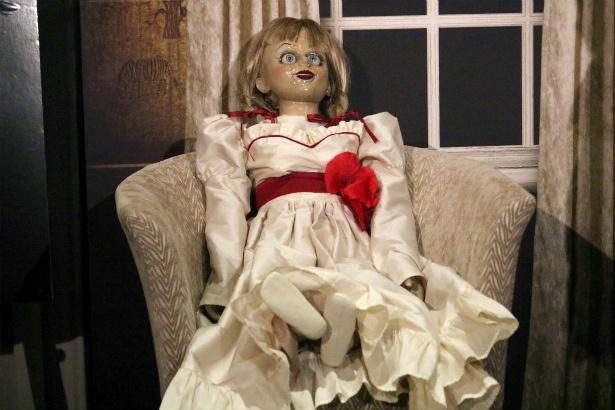 来日したアナベル人形