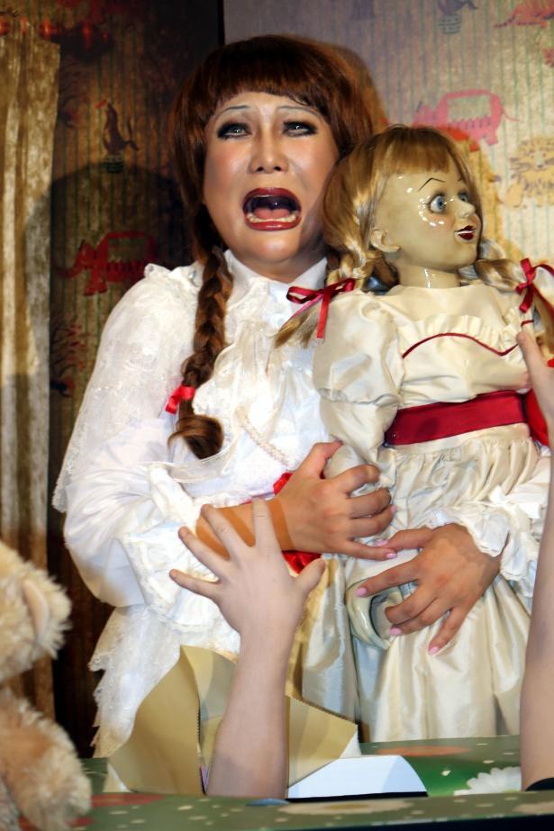 『アナベル 死霊人形の誕生』のイベントに登壇したはるな愛