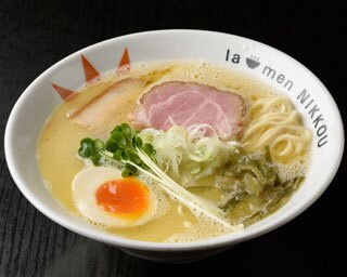 「鶏白湯 塩」(750円)/ラーメン にっこう