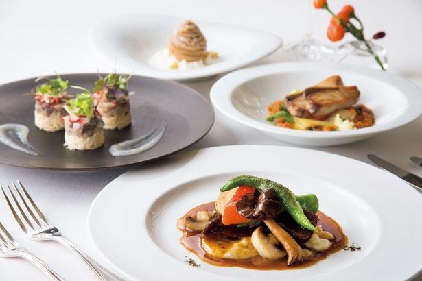 Xmasも通常メニューの前菜、肉料理、デザートを選べるディナープリフィクスコース(5940円)