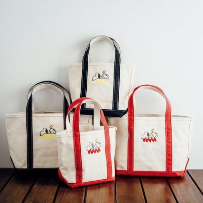 赤と黒のカラーを選べる「ボート・アンド・トート」(S:8640円、M:1万800円)