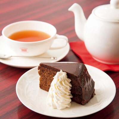 ザッハトルテ(550円)と紅茶のメリークリスマス(800円)