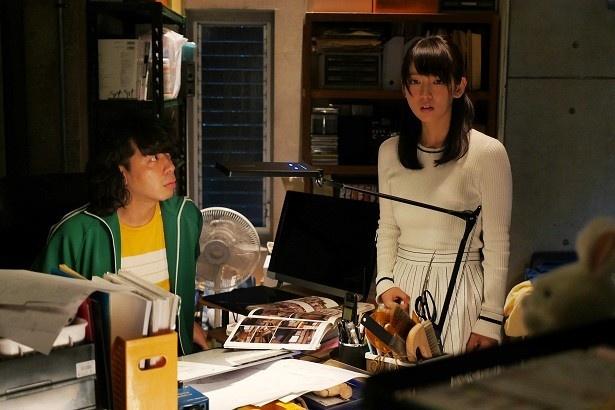 吉岡里帆と峯田和伸が共演の『寺島』