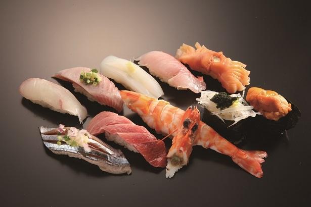 「龍寿司」のおまかせ寿司4300円。旬にこだわるお店ならではの確かなおいしさ