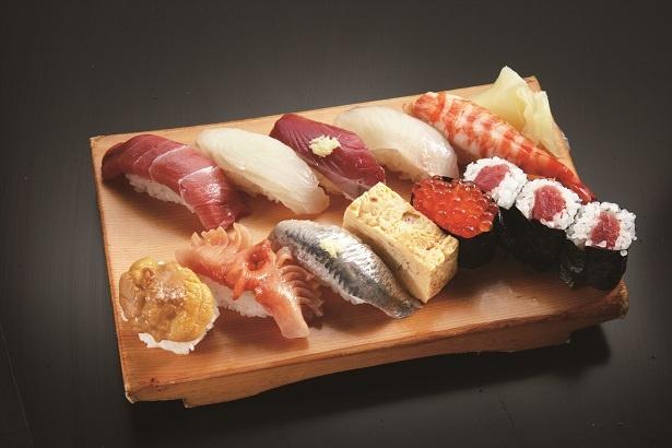 「すし処おかめ」のおまかせ3600円。ネタの産地は全国の名漁場