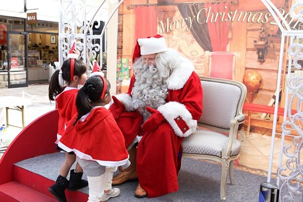 子どもが喜ぶこと間違いなしの「サンタクロース記念撮影会」