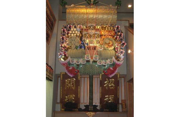 息を呑むほど豪華な長国寺の熊手