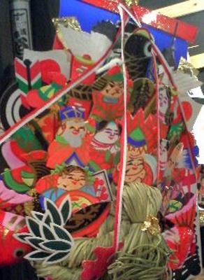 老舗「よし田」店の宝船熊手は絵柄からすべてが手作り