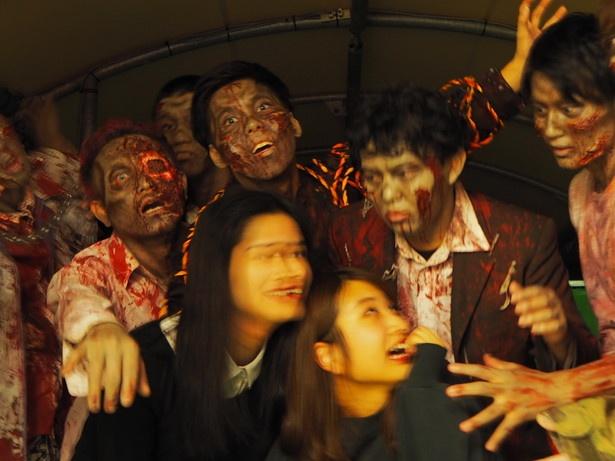 【写真を見る】ゾンビ100体!地獄のパーティナイトでライター・吉川&河野が震撼
