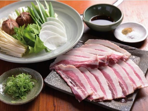 【平田オススメ】丹波篠山のジビエ料理と言えば「猪」。あっさり低カロリーでありながら深いコクが楽しめる絶品鍋。「しし肉しゃぶしゃぶ」(3,240円)