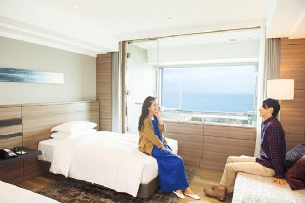 温泉ビューバス付 プレミアルーム。太平洋の絶景を眺めながら白浜温泉を独り占め / 南紀白浜マリオットホテル