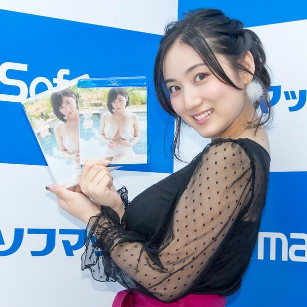 Blu-ray&DVD「Love U~揺れる距離感」発売イベントに登壇した紗綾