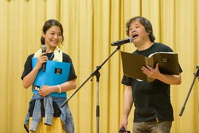 甲斐田裕子(左)と檜山修之(右)