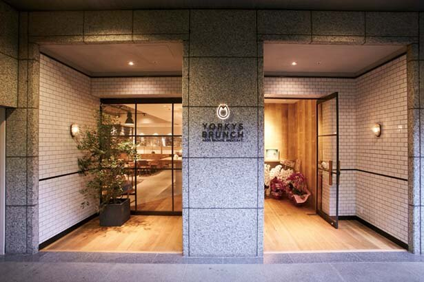 大丸神戸店近くのビルの地下1階に位置/YORKYS BRUNCH 神戸元町店