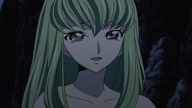 ルルーシュに特別な力を与えた謎多き少女C.C.
