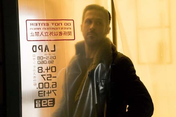 【写真を見る】よーく見ると「ロサンゼルス市警」「関係者以外立入禁止」という日本語が!