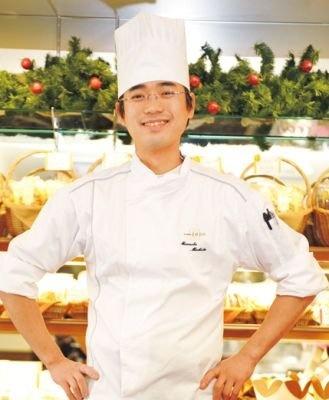 「果物は届いてからどのケーキに使うか考えています」とシェフパティシエの町田政信さん