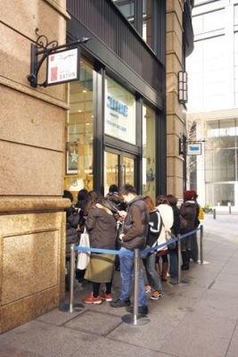09年9月にオープンした世界初のエシレ専門店。開店前から60〜70人の行列ができることも