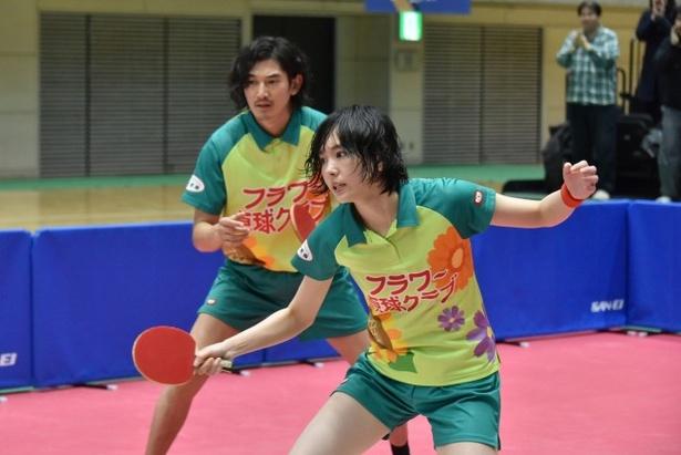 映画「ピンポン」(2002年)の撮影も手掛けた佐光朗の巧みなカメラワークにより、卓球の試合の手に汗握る臨場感を再現!