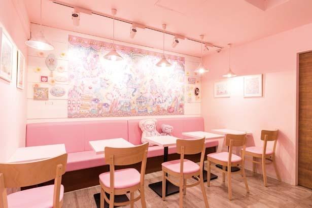 ピンクカラーがベース/ECONECO Cafe&Sweet