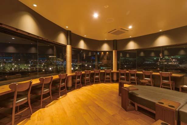 神戸のパノラマ夜景を楽しめる/スターバックス コーヒー 神戸メリケンパーク店
