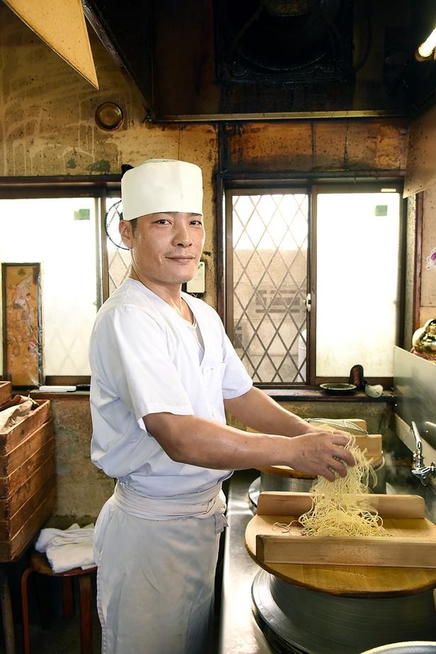 「旨い一杯を作り続けます!」と、店長の榊 伸一郎さん