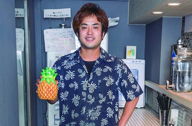 オーナーの倉田裕彰さん。話題になることをしたくてパイナップルラーメンを思いついたそう