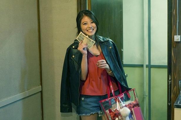 月9「民衆の敵―」で、誠(高橋一生)と体の関係を持つコールガール・莉子を演じる今田美桜