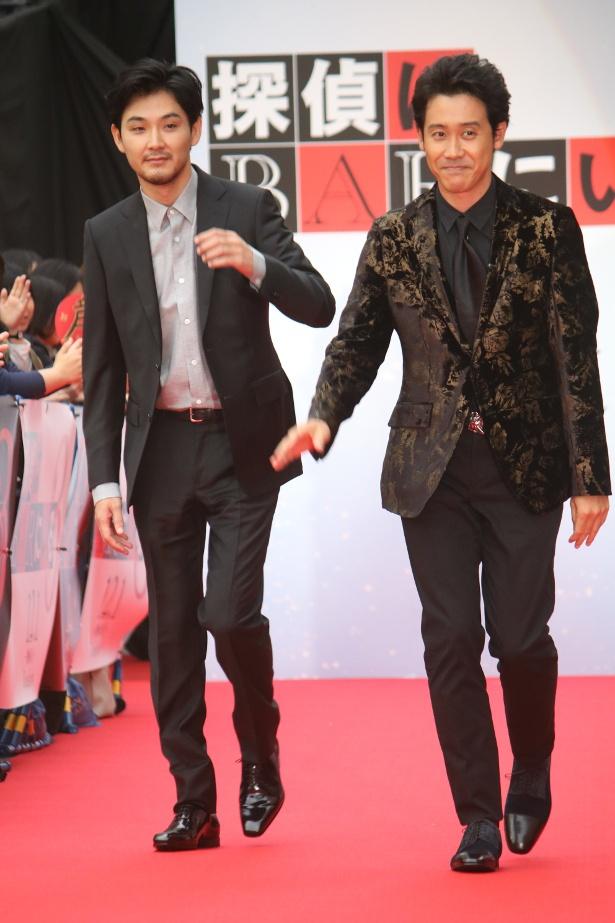 レッドカーペットを歩いた大泉洋と松田龍平