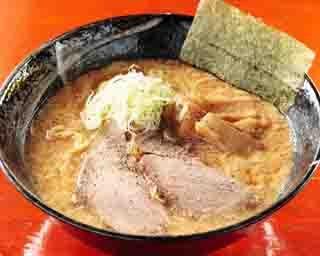 万人に受ける、優しい味わいの玉子とじラーメンが食べられる「麺家まんげつ」