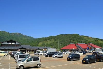 「道の駅あらい」は新井PA・スマートICに隣接