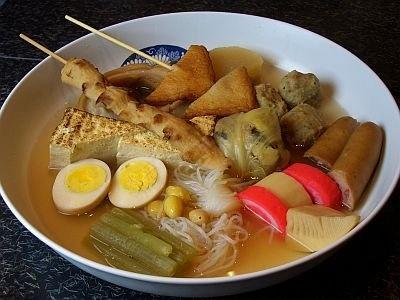 ご当地おでん。加賀野菜とお麩、能登産めぎすのつみれ入り「金澤おでん」も楽しめる
