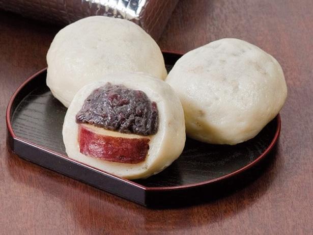 【写真を見る】粒あんとサツマイモが相性抜群の「あだたらのいも小町」(1個190円)(6個入り冷凍1200円)